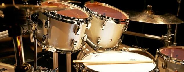 Звуки барабанов